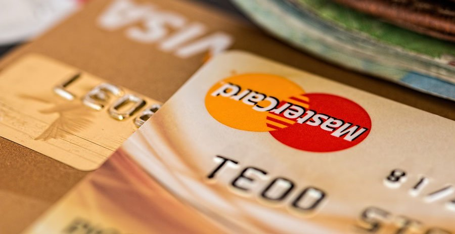 Is-it-time-for-you-to-pay-for-facebook-credit cards image